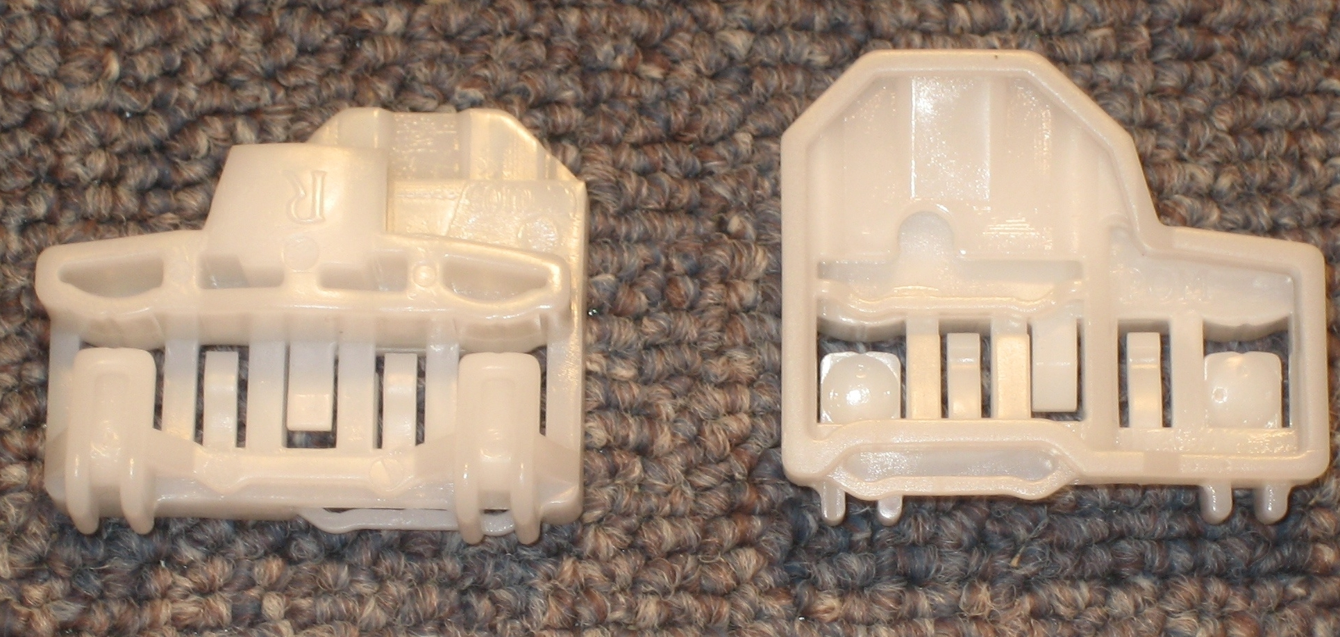 Alero/Grand Am Clips - Rear Left